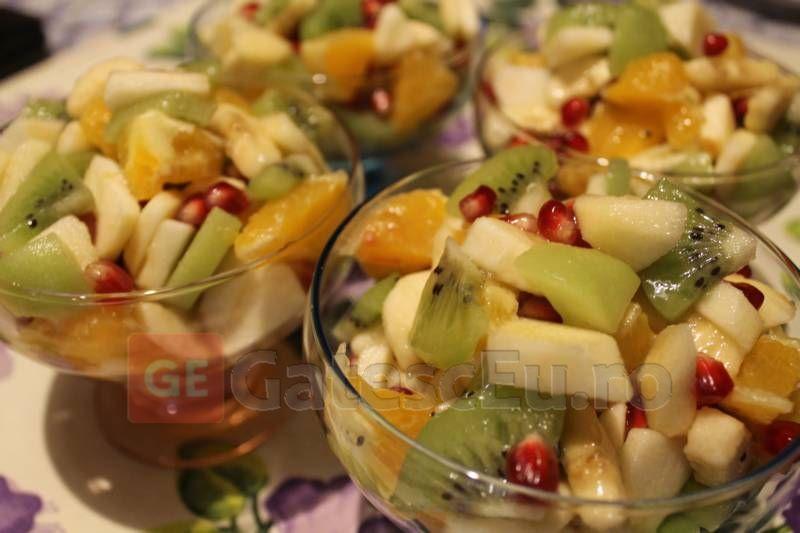 Salata de fructe Macedonia