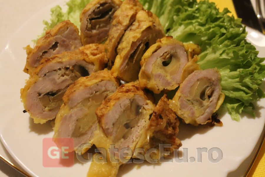 Papanasi din carne de porc cu ciuperci
