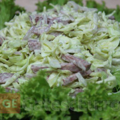 Salata de varza cu salam
