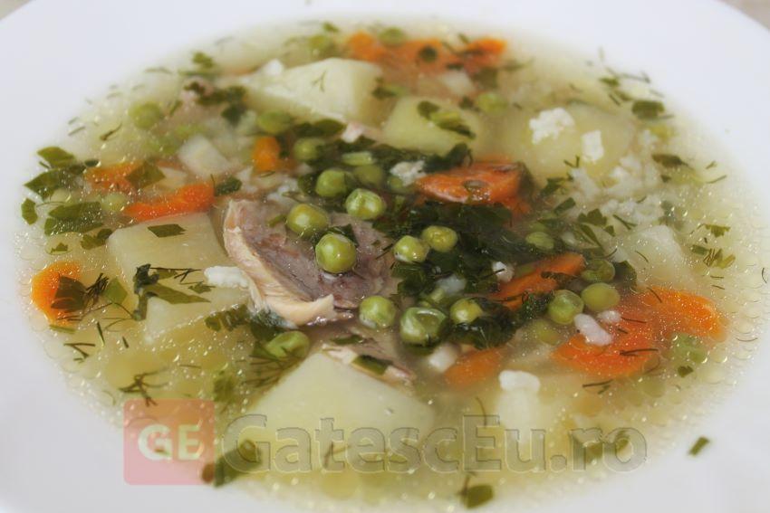 Supa de pui cu mazare verde