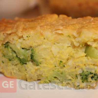Budinca de orez cu broccoli