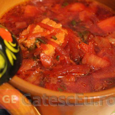 Ciorba cu varza, sfecla rosie si carne