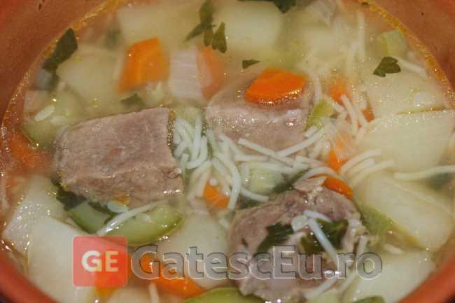 Supa cu carne de vita si dovlecel