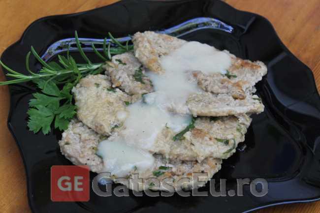 Carne de vitel in sos de lamaie (Piccatina al limone)